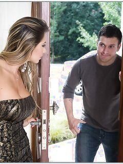Сексуальная домохозяйка соблазнила соседа на кожаном диване - секс порно фото
