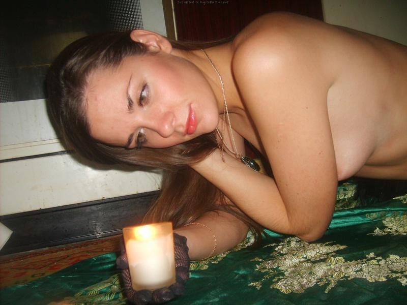 Русские милашки устроили романтический секс на полу кухни - секс порно фото