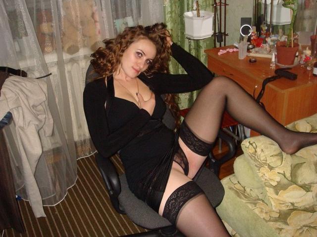 Раскованные мамаши занимаются домашними делами голышом - секс порно фото